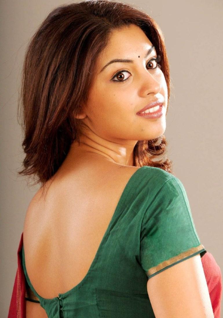 Stunning Photos of Richa Gangopadhyay 12