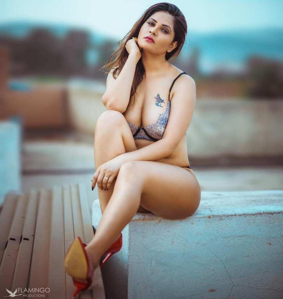 Aabha Paul Wiki, Biography and 57+ Glamorous Photos 24