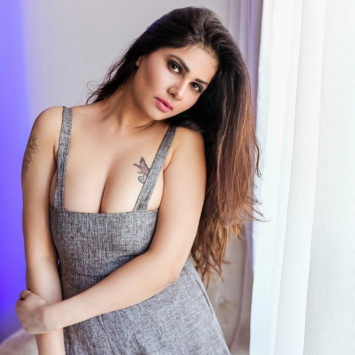 Aabha Paul Wiki, Biography and 57+ Glamorous Photos 55