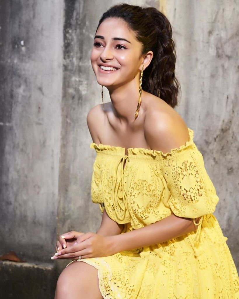 51+ Glamorous Photos of Ananya Panday 17