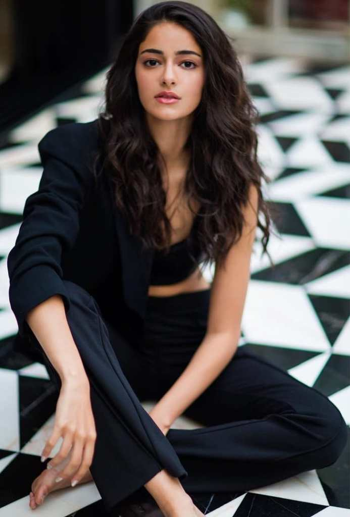 51+ Glamorous Photos of Ananya Panday 51