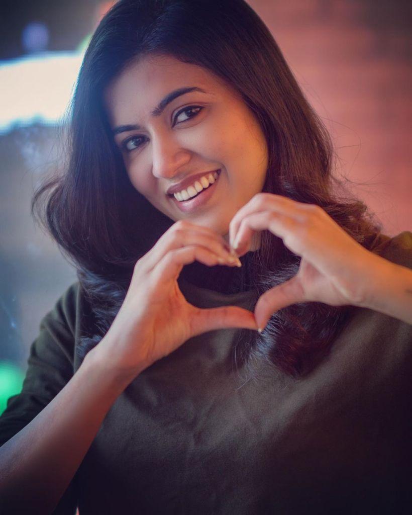 42+ Lovely Photos of Anju Kurian 24