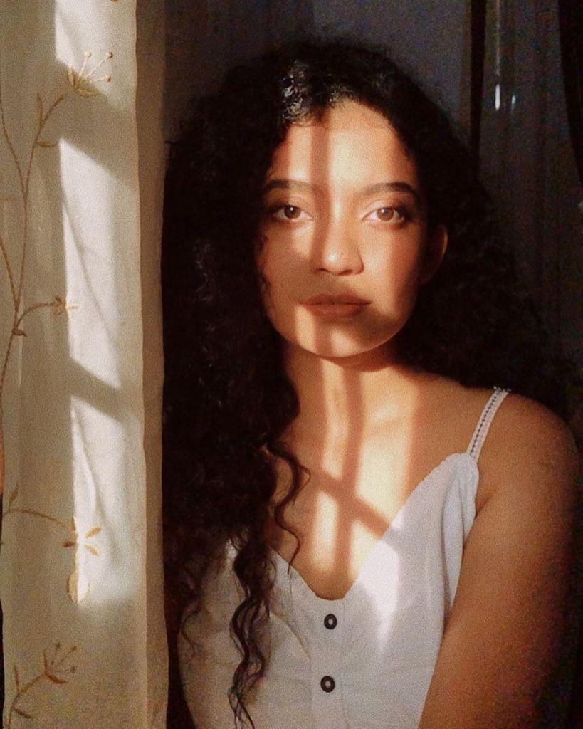 17+ Lovely Photos of Anna Ben 17