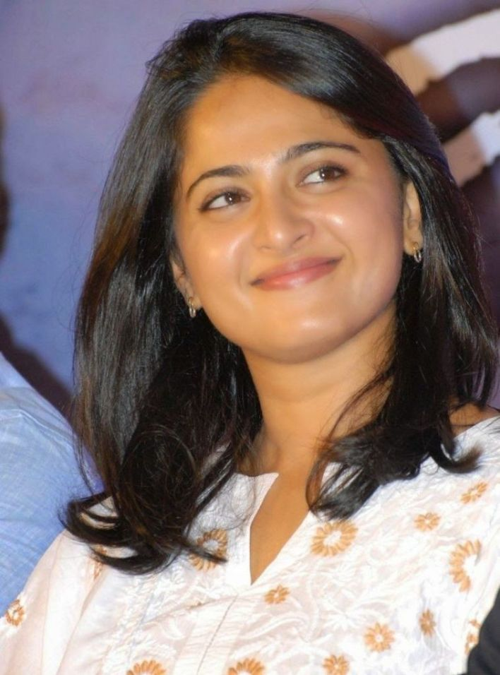 Anushka Shetty Wiki, Biography, Movies, and 126+ Stunning Photos 36