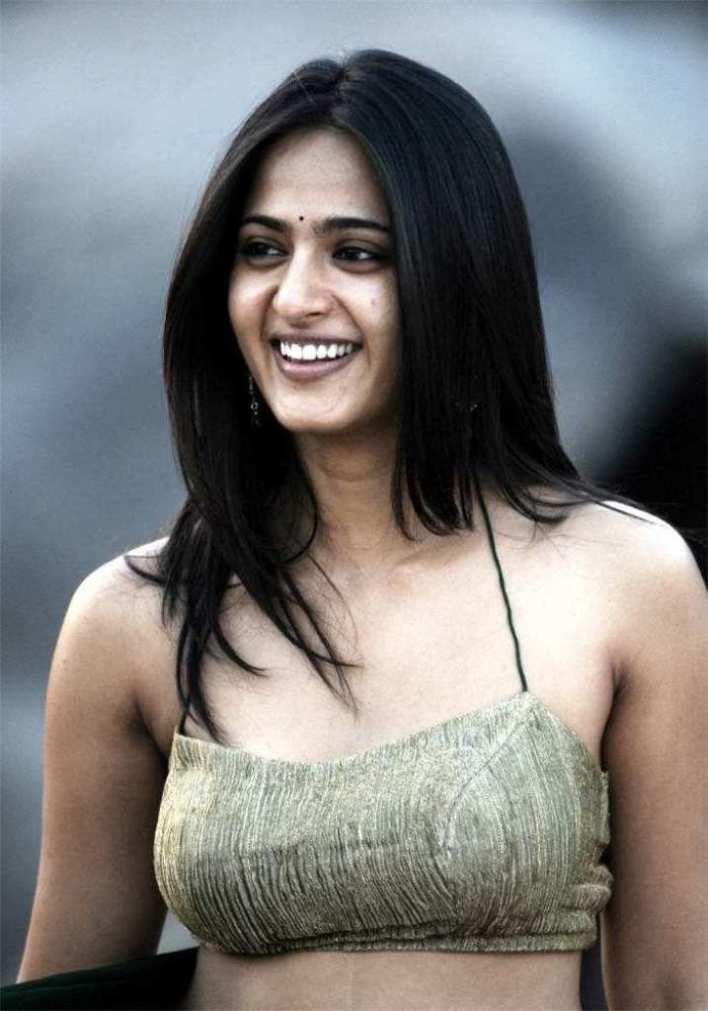 Anushka Shetty Wiki, Biography, Movies, and 126+ Stunning Photos 37