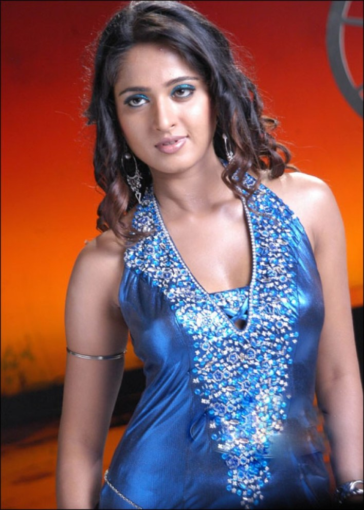 Anushka Shetty Wiki, Biography, Movies, and 126+ Stunning Photos 42