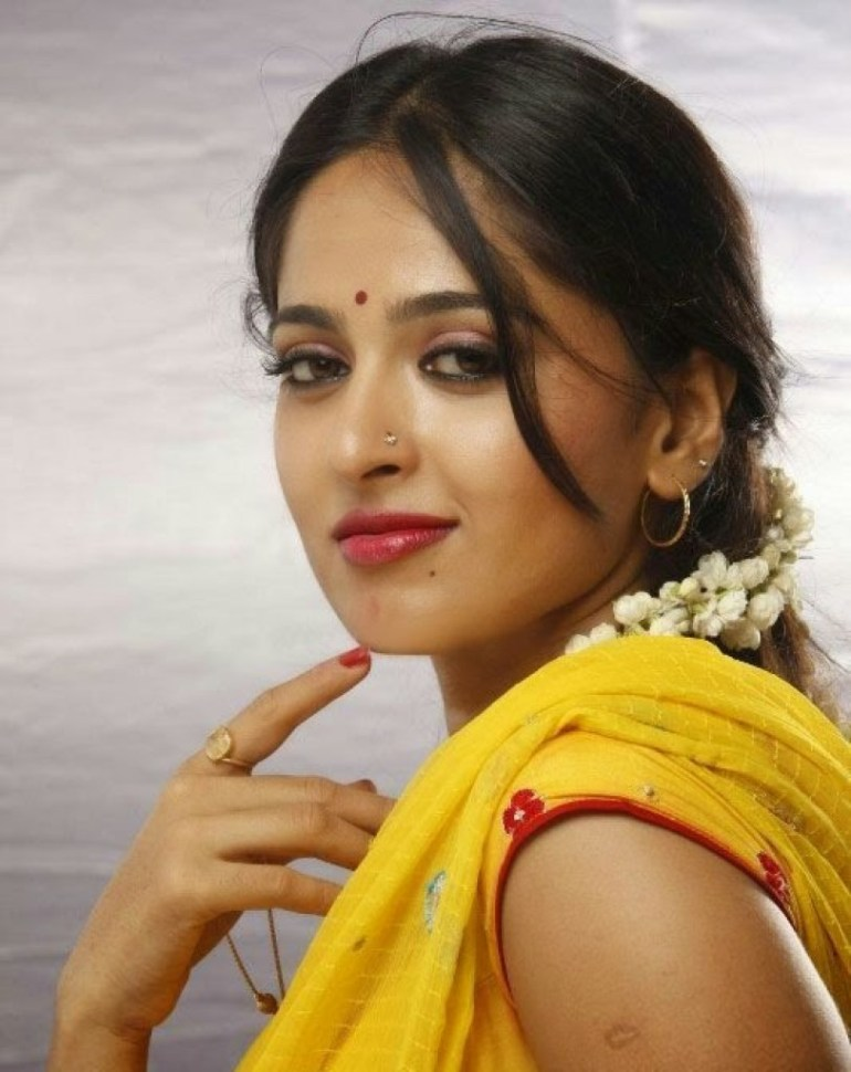 Anushka Shetty Wiki, Biography, Movies, and 126+ Stunning Photos 46
