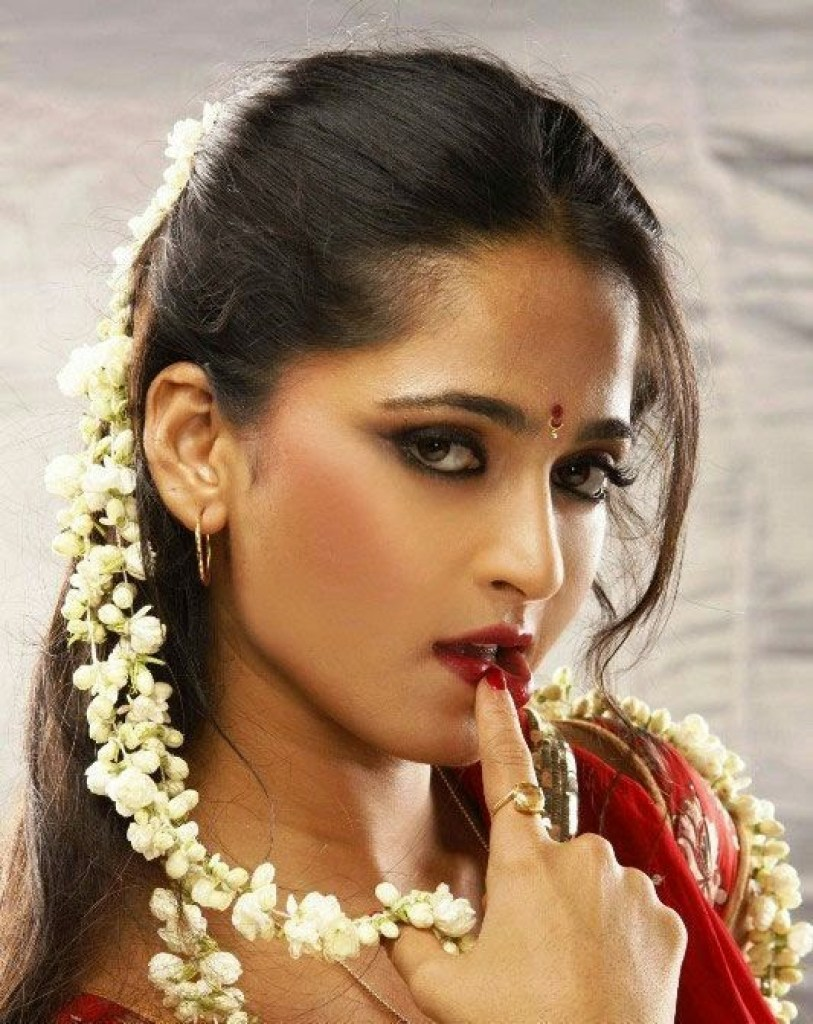 126+ Stunning HD Photos of Anushka Shetty 48
