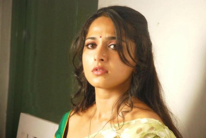 Anushka Shetty Wiki, Biography, Movies, and 126+ Stunning Photos 10
