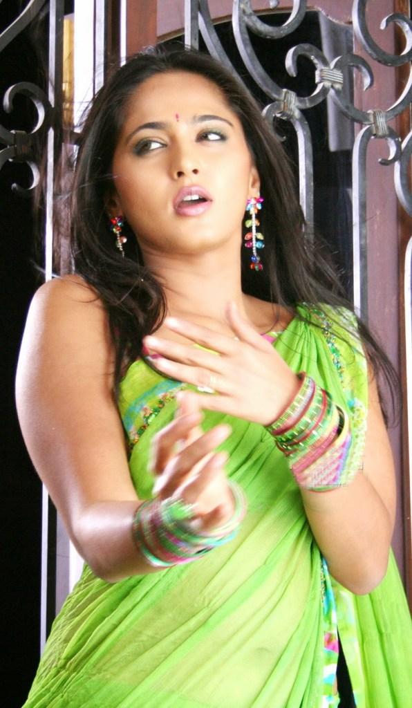 126+ Stunning HD Photos of Anushka Shetty 72
