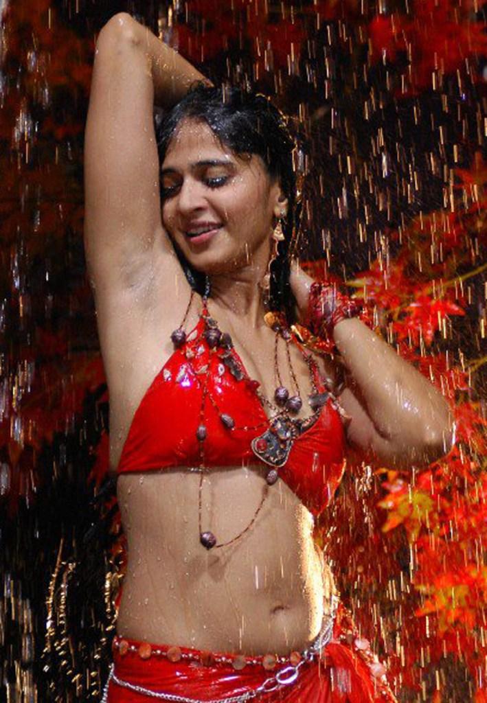 126+ Stunning HD Photos of Anushka Shetty 92