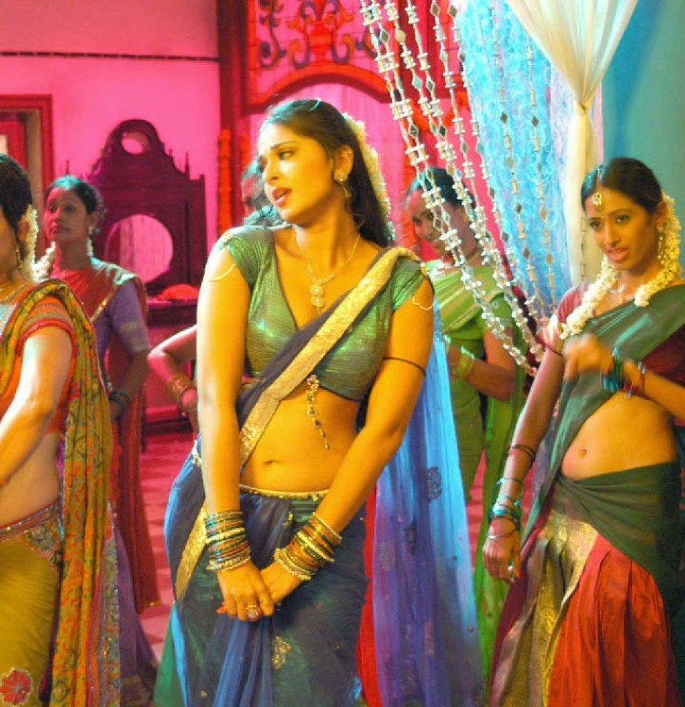 126+ Stunning HD Photos of Anushka Shetty 80