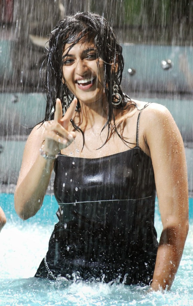 Anushka Shetty Wiki, Biography, Movies, and 126+ Stunning Photos 166