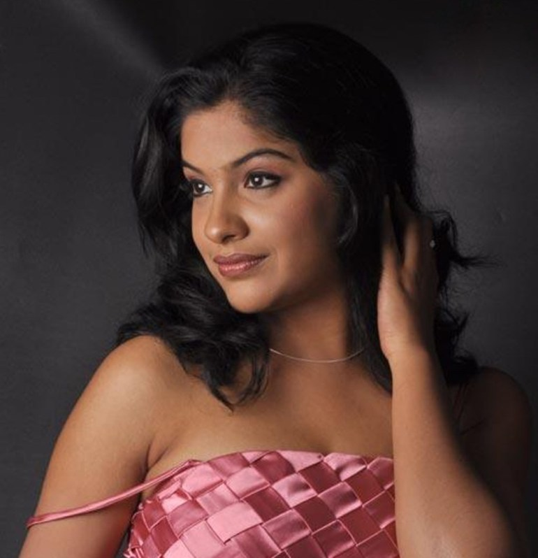 Beautiful Photos of Archana Kavi 13