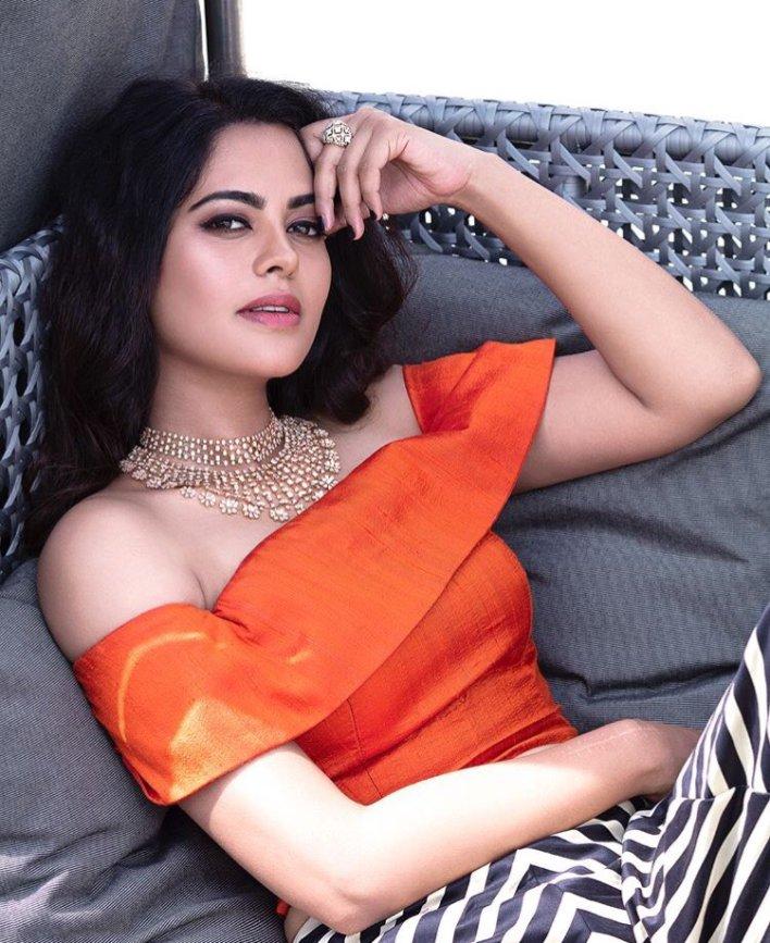 39+ Gorgeous Photos of Bindu Madhavi 20