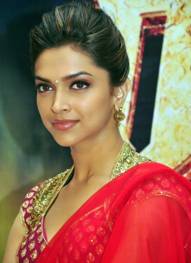 65+ Glamorous Photos of Deepika Padukone 47