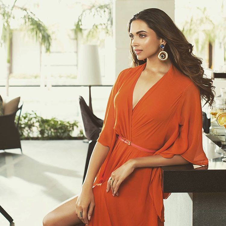 65+ Glamorous Photos of Deepika Padukone 50