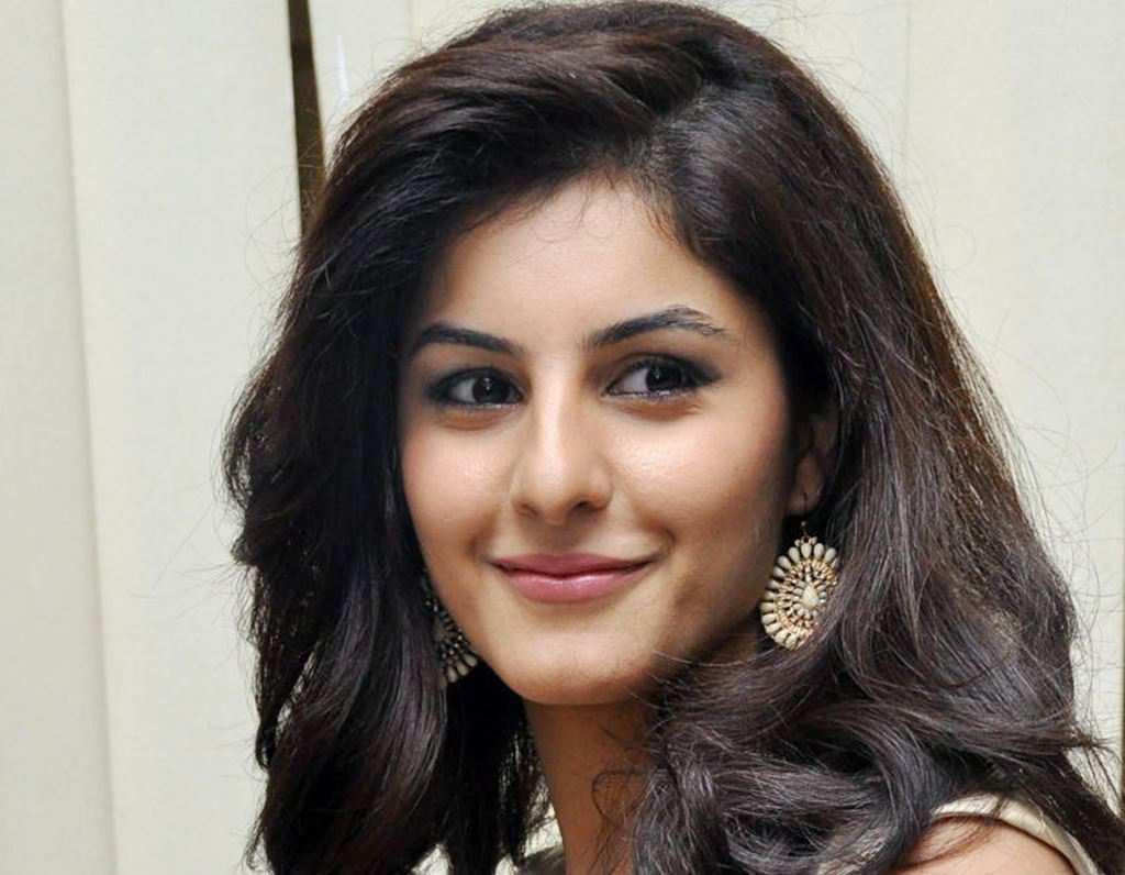 42+ Glamorous Photos of Isha Talwar 34
