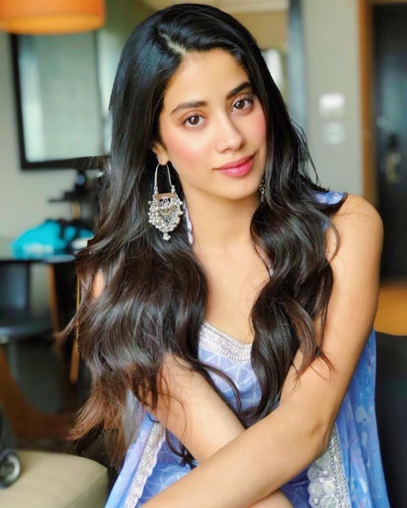 45+ Stunning Photos of Janhvi Kapoor 6