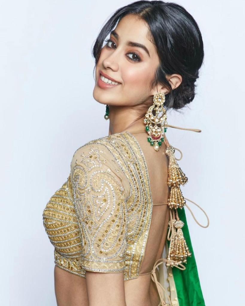 45+ Stunning Photos of Janhvi Kapoor 10