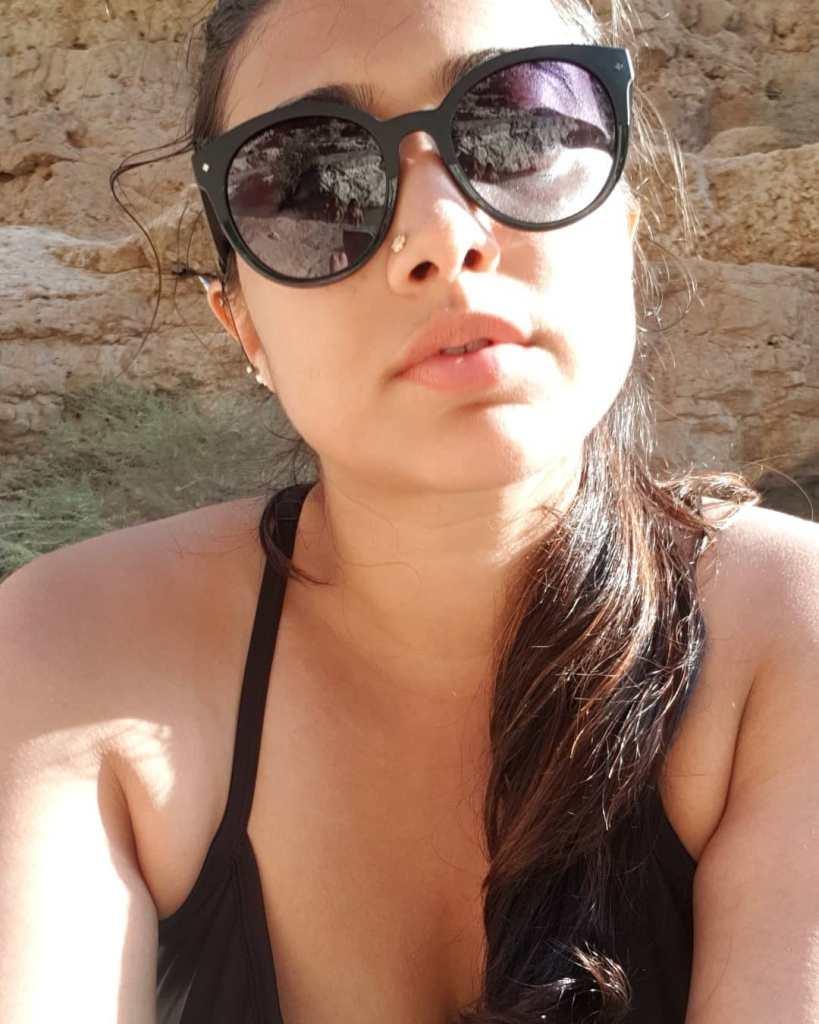 27+ Glamorous Photos of Madhuri Braganza 109