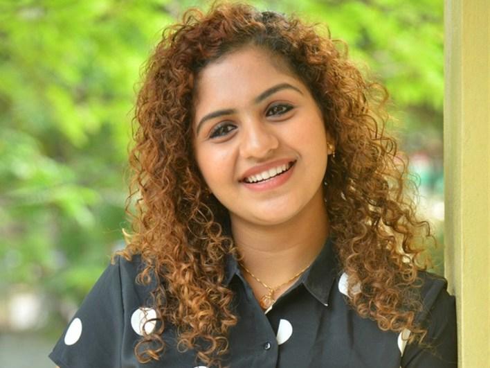 27+ Charming Photos of Noorin Shereef 23
