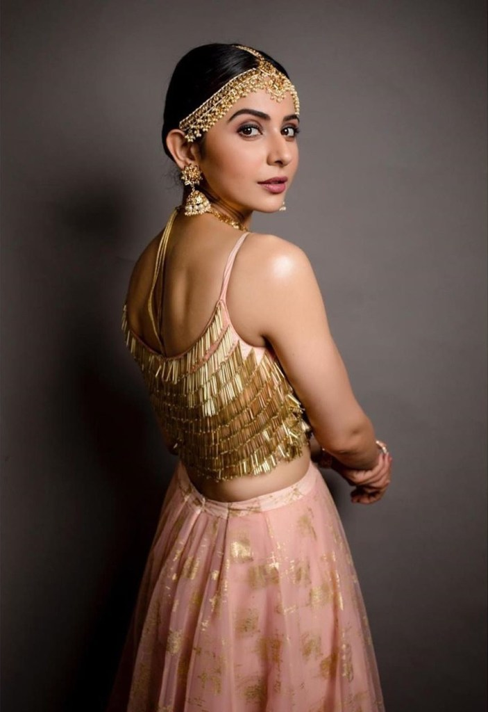 45+ Gorgeous Photos of Rakul Preet Singh 108