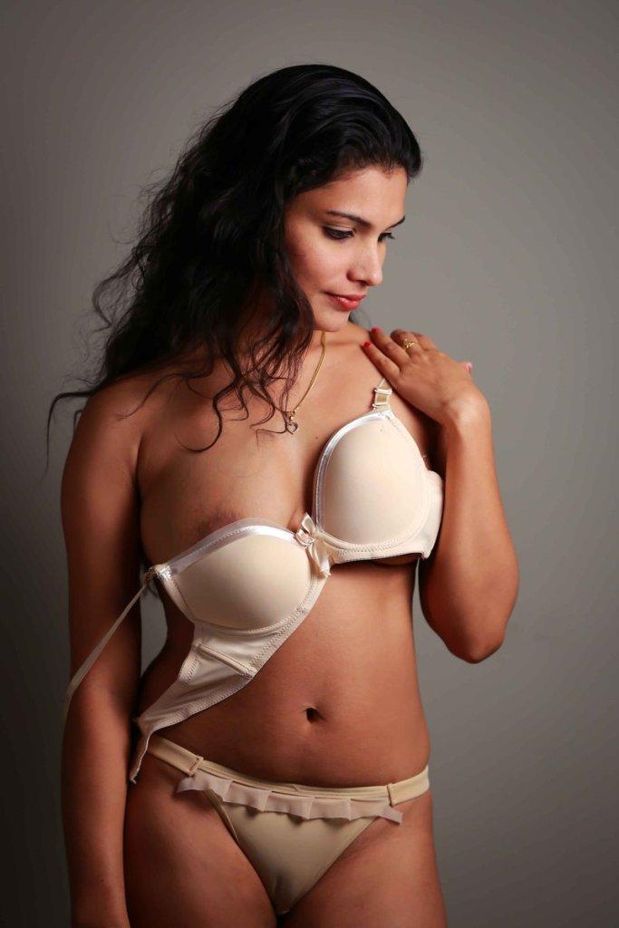 45+ Glamorous Photos of Resmi R Nair 27