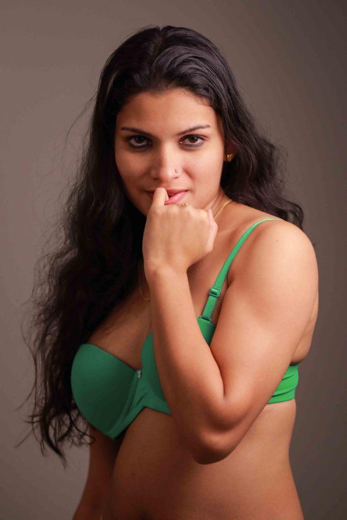 45+ Glamorous Photos of Resmi R Nair 40