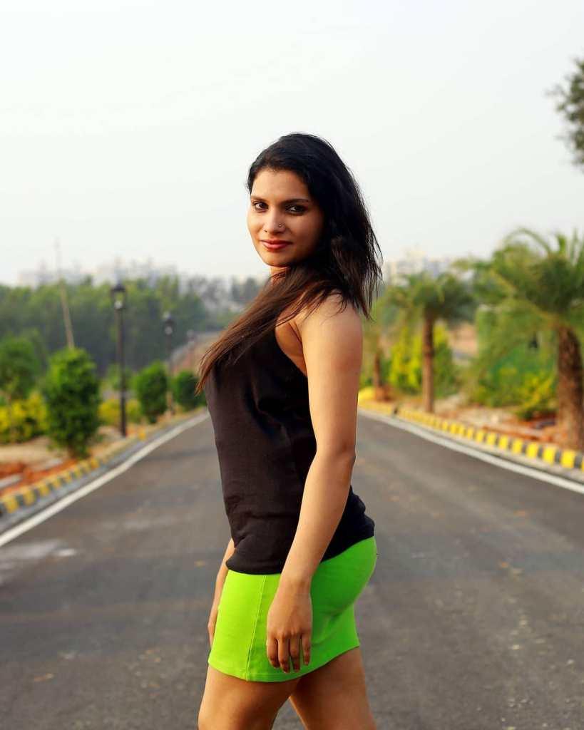 Resmi R Nair 42+ Glamorous Photos, Wiki, Age, and Biography 14