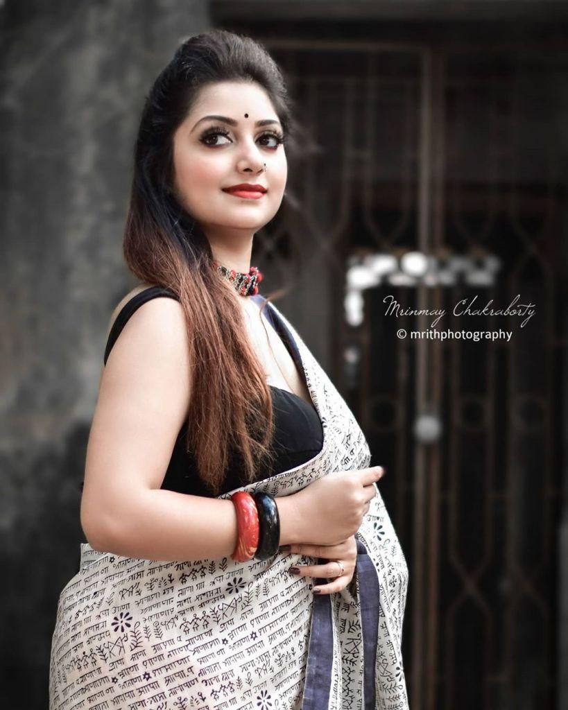 Rupsa Saha Chowdhury 42+ Glamorous Photos, Wiki, Age, Biography, Movies and, web series 81