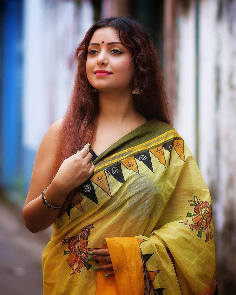 Rupsa Saha Chowdhury 42+ Glamorous Photos, Wiki, Age, Biography, Movies and, web series 88