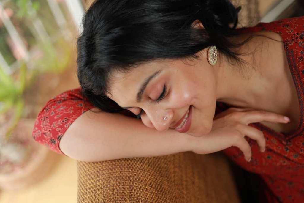 21+ Beautiful Photos of Shruthi Ramachandran 15
