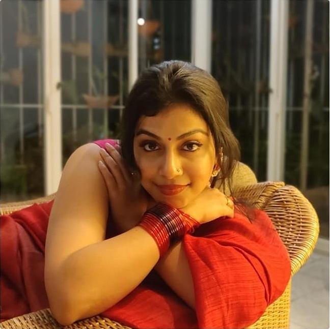 21+ Beautiful Photos of Shruthi Ramachandran 17