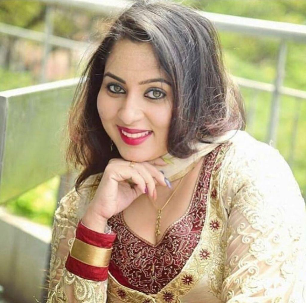23+ Lovely Photos of Sreeya Remesh 12