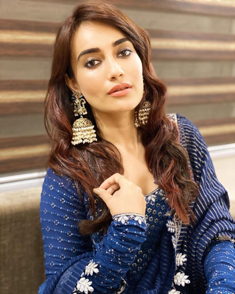 35+ Charming Photos of Surbhi Jyoti 9