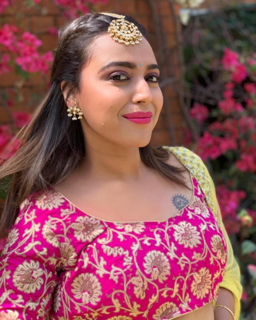 40+ Charming Photos of Swara Bhaskar 15