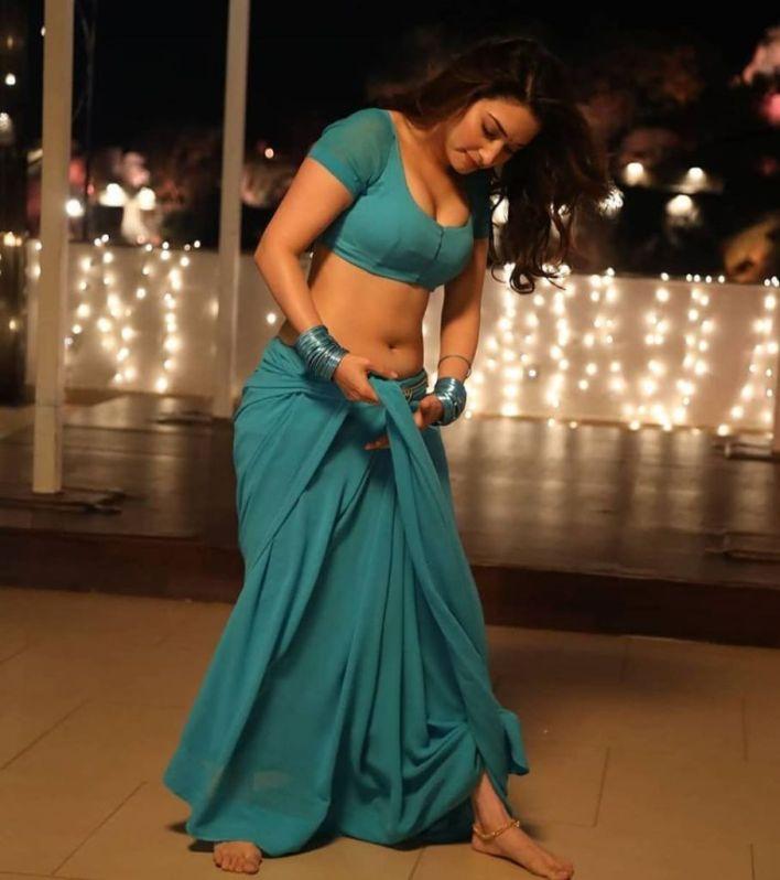 Tamanna Bhatia Wiki, Age, Biography, Movies, and Glamorous Photos 40