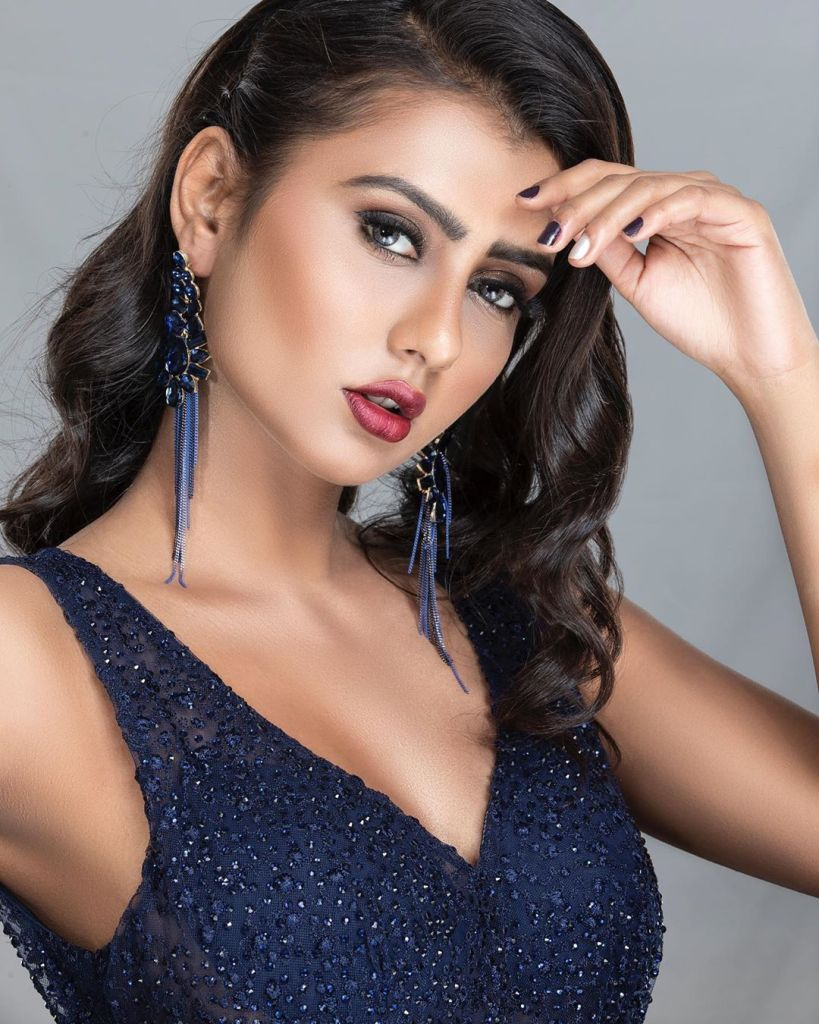 54+ Glamorous Photos of Twinkle Meena 5