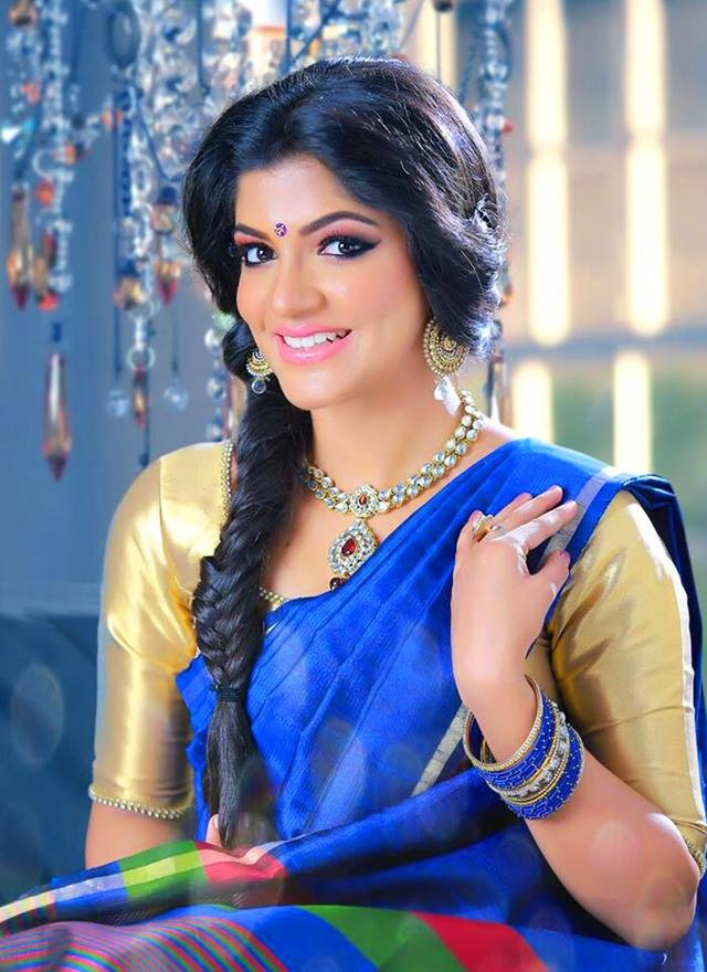 53+ Gorgeous Photos of Aparna Balamurali 128