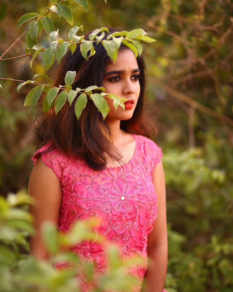 Kerala Tik Tok Star Dhanya S Rajesh (Helen of Sparta) HD Photos 18
