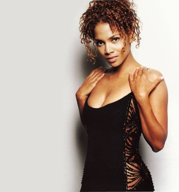 59+ Charming Photos of Halle Berry 6