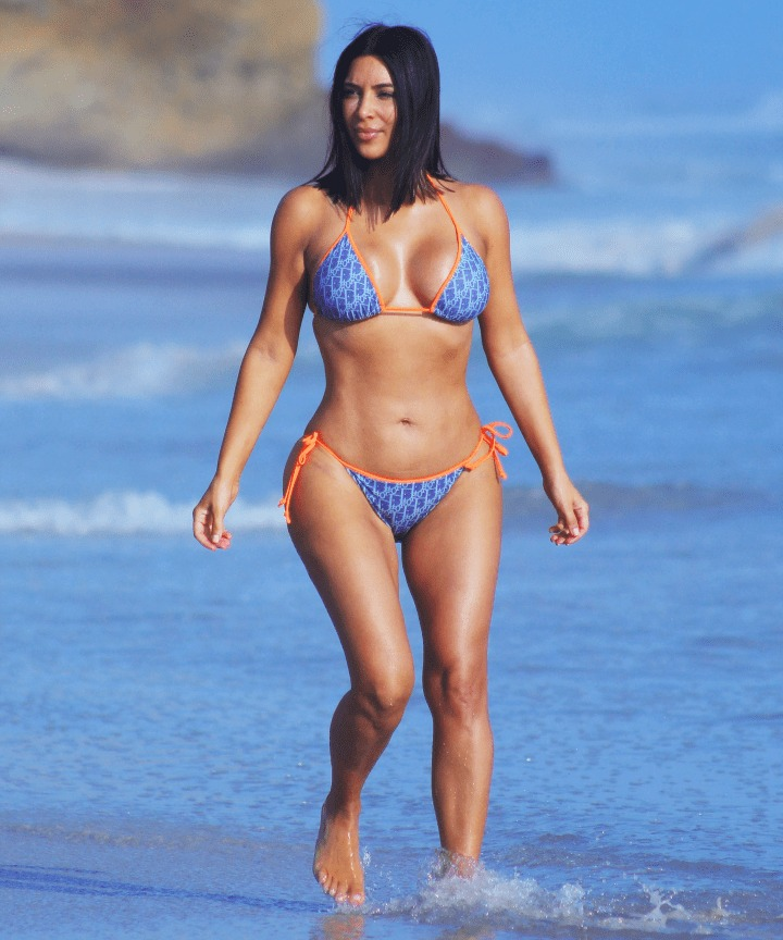 45+ Glamorous Photos of Kim Kardashian 100