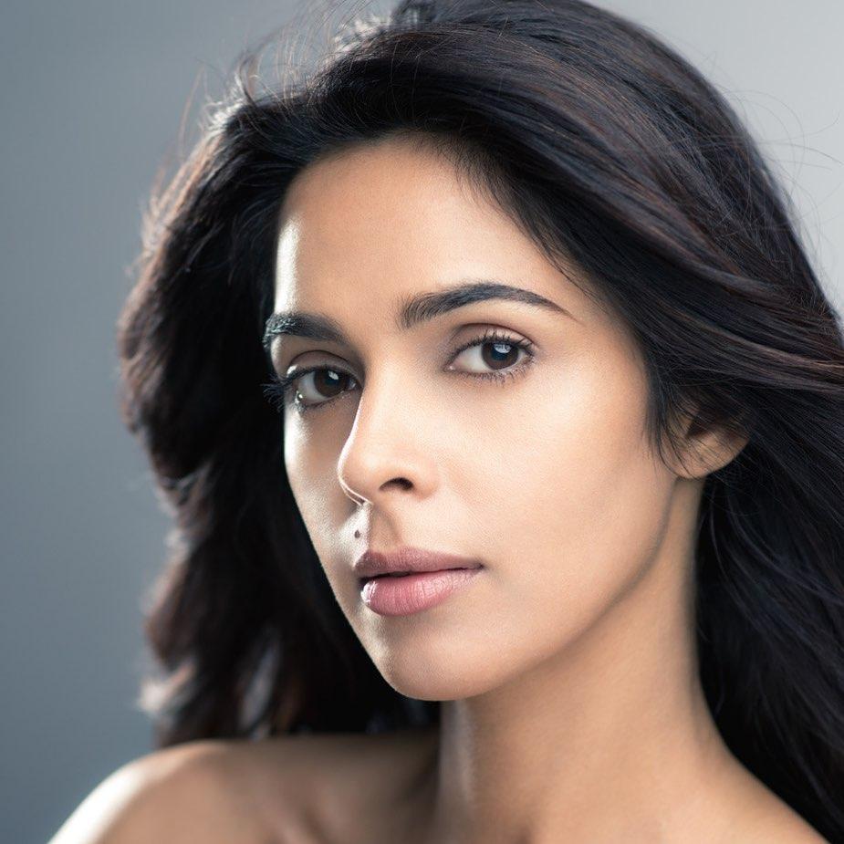 29+ Beautiful Photos of Mallika Sherawat 9