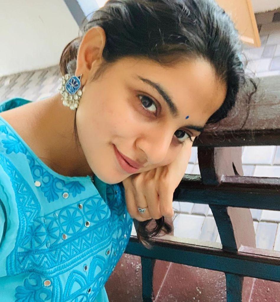 48+ Gorgeous Photos of Nikhila Vimal 17