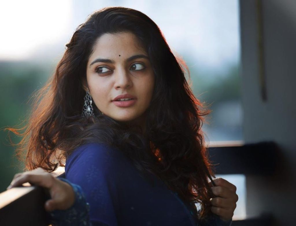 48+ Gorgeous Photos of Nikhila Vimal 107