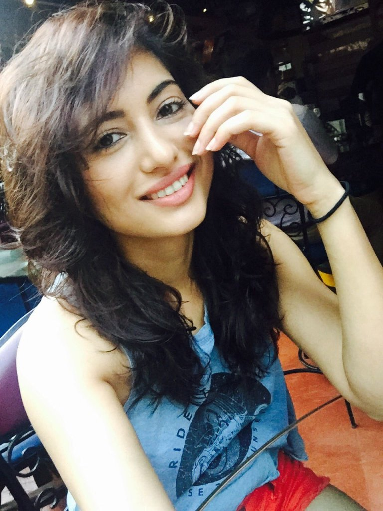 Poonam Rajput Beautiful Photos, Wiki, Age, Biography, and Movies 95
