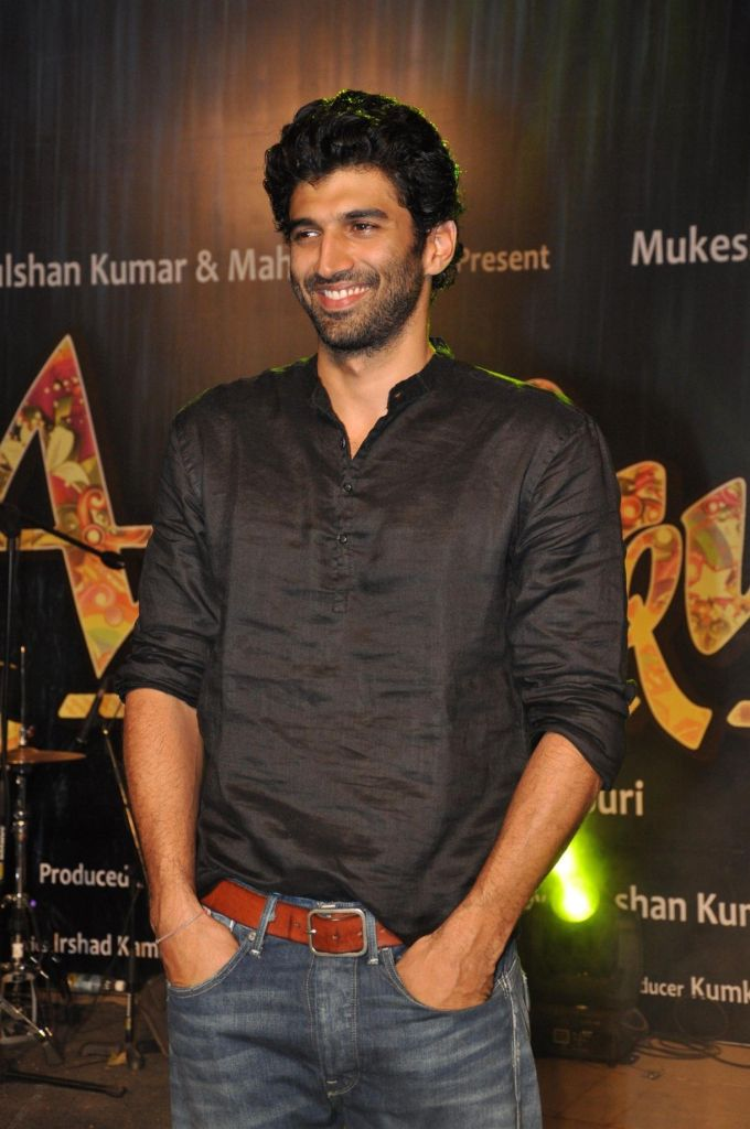 Aditya Roy Kapoor Wiki, Age, Family, Movies, HD Photos, Biography, and More 12