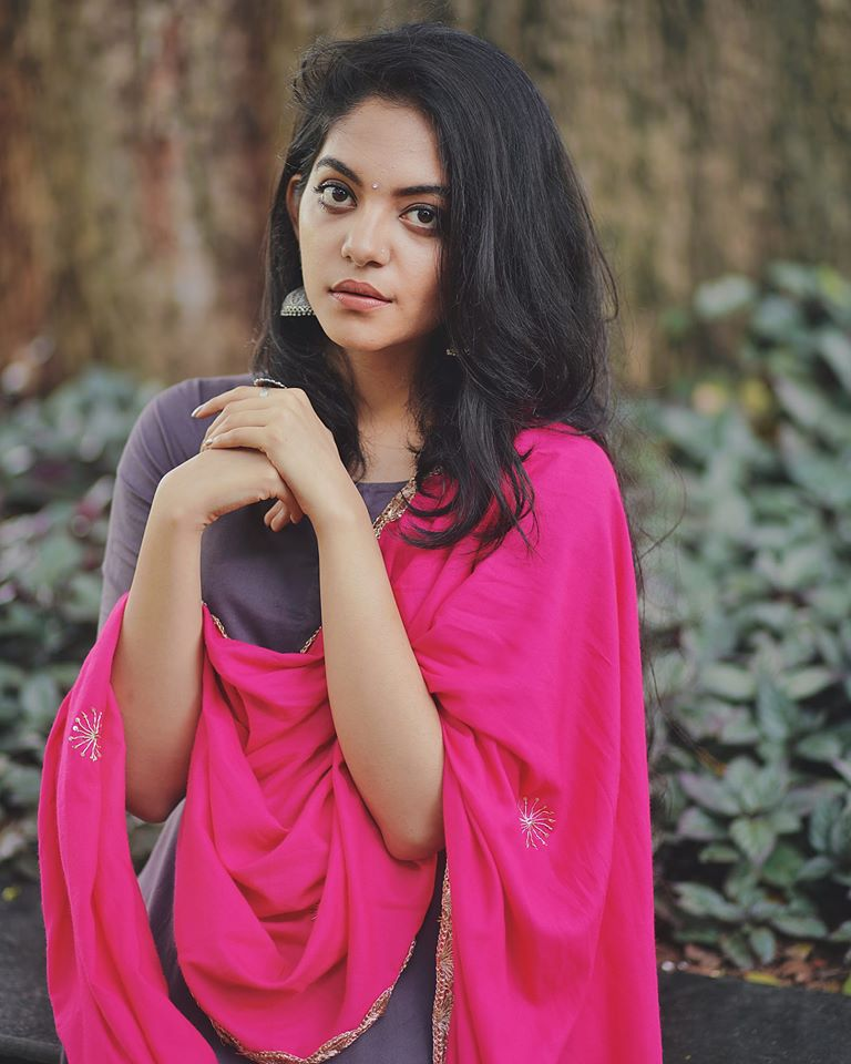 Ahaana Krishna 33+ Gorgeous Photos, Wiki, Age, Biography, and Movies 93