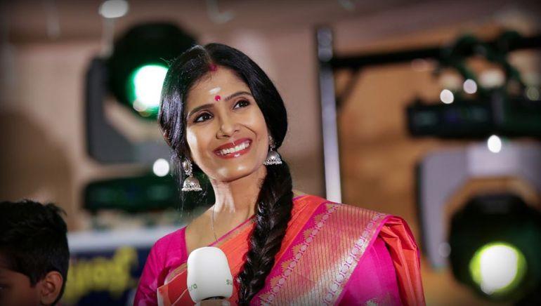 Anuradha Sriram Wiki, Age, Family, Movies, HD Photos, Biography, and More 49